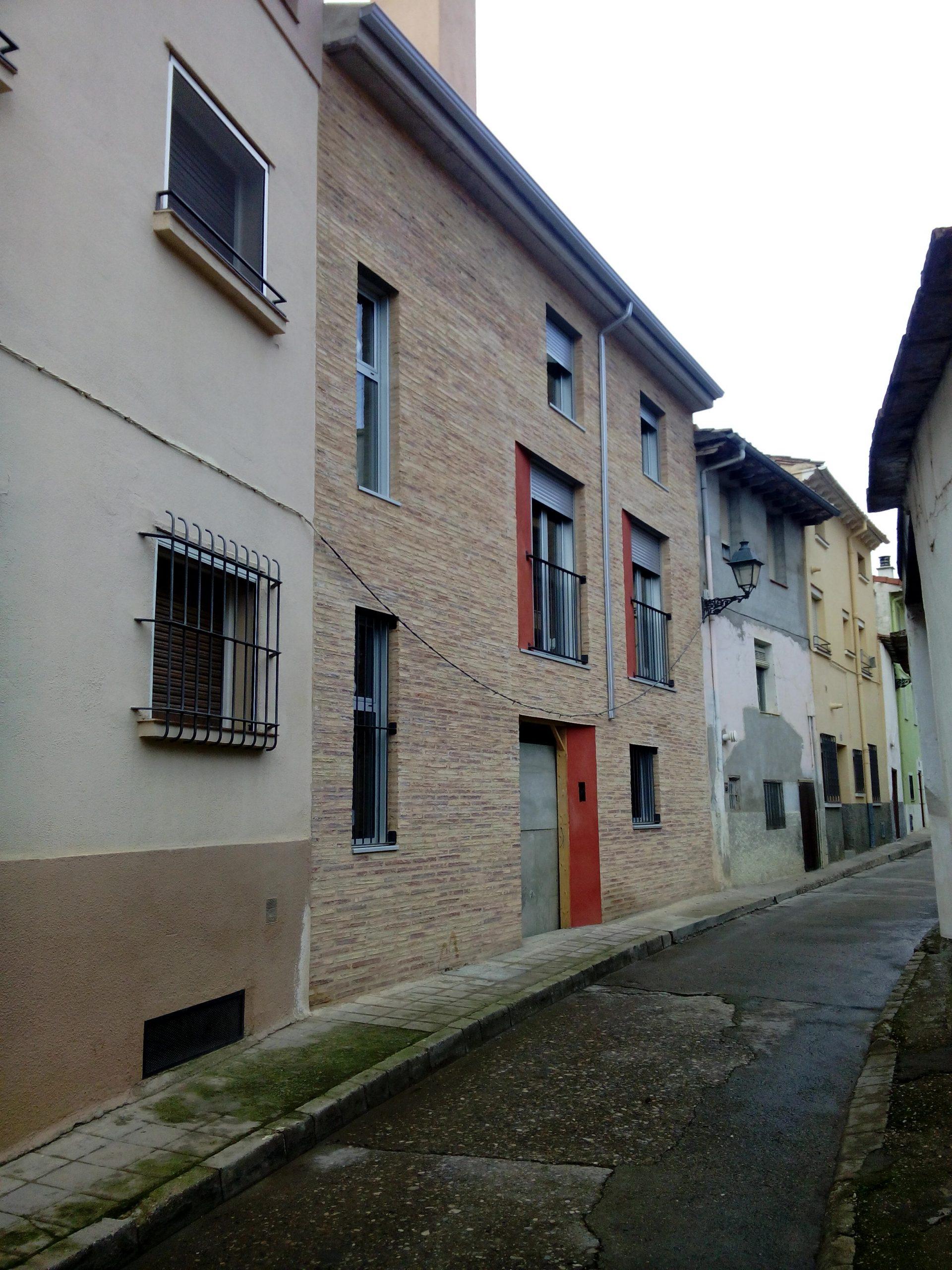 Construcción edificio para 3 viviendas, garaje y trasteros