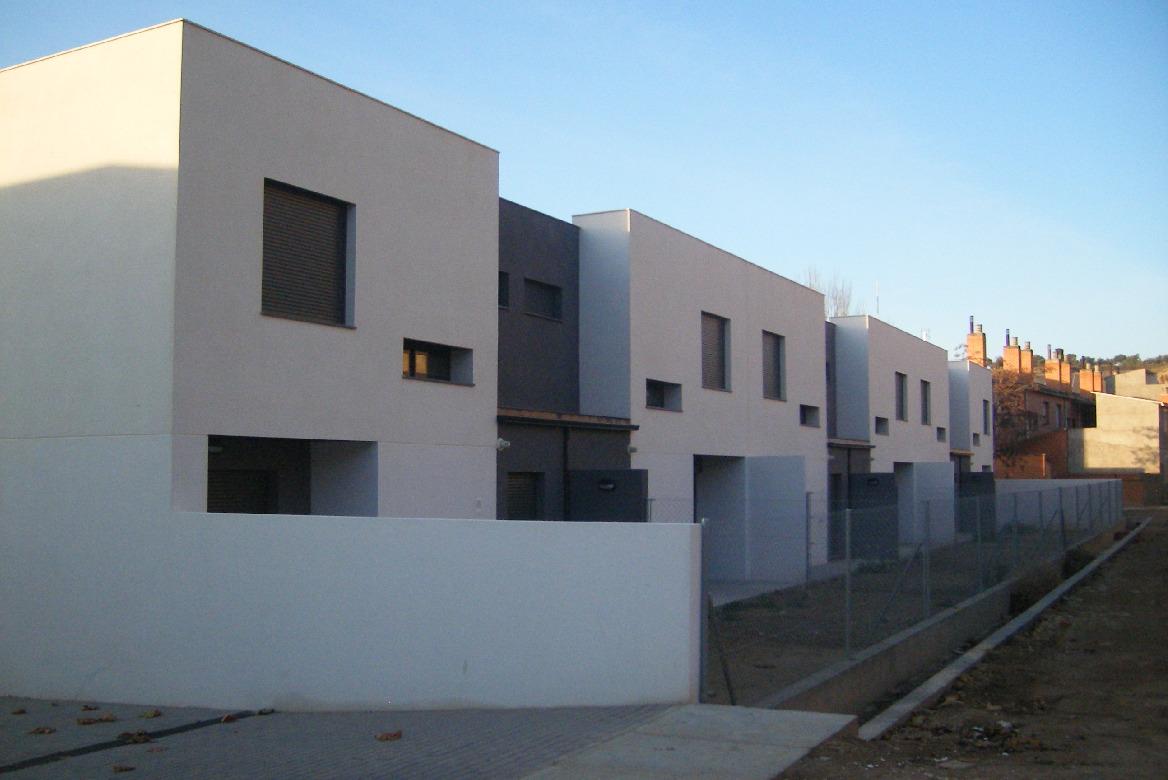 Construcción 8 viviendas protegidas, garajes y trasteros en Lanaja