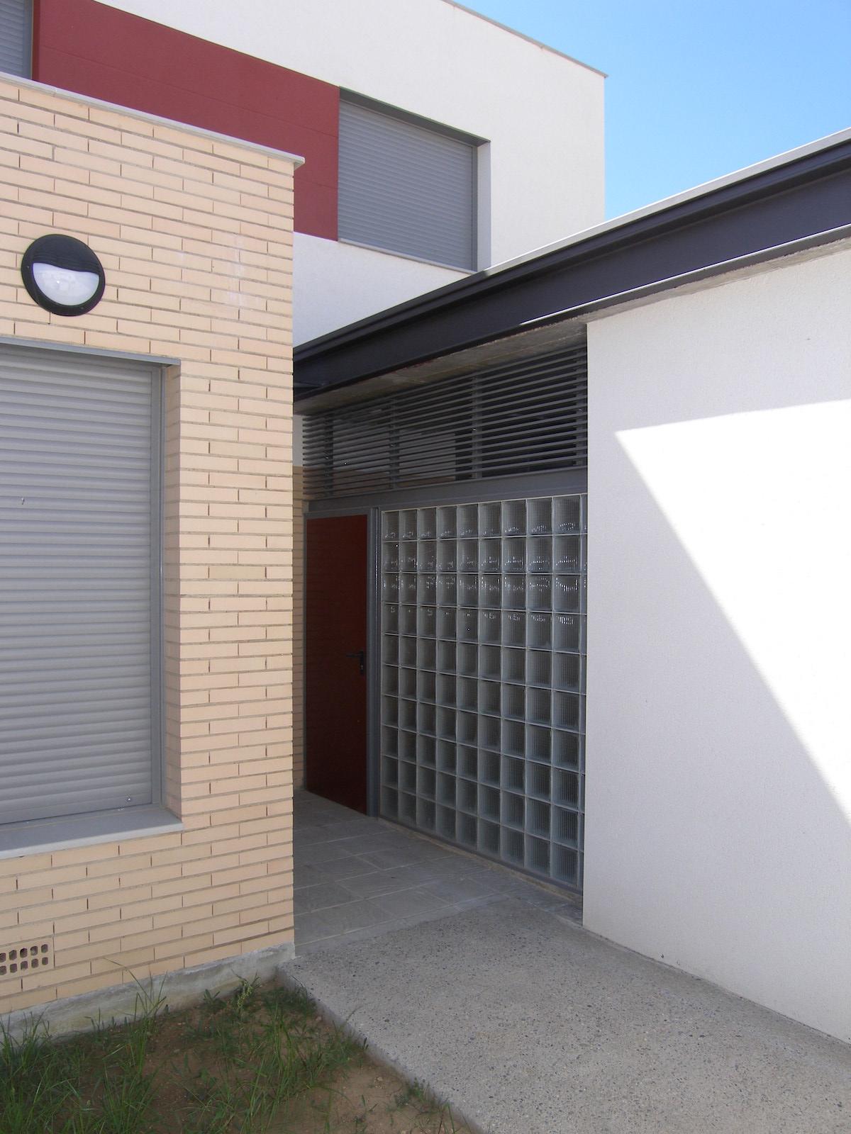 Construcción ocho viviendas de protección oficial en Santalecina