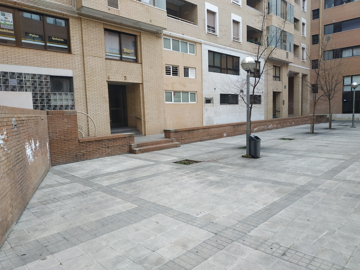 Supresión de barreras arquitectónicas en Plaza Cataluña de Huesca